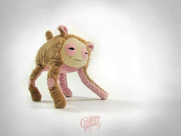 国外可爱外星绒毛玩具