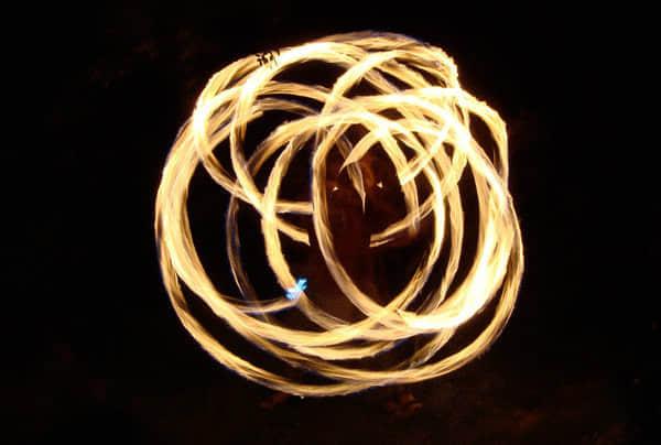 30张飞舞的火焰艺术摄影