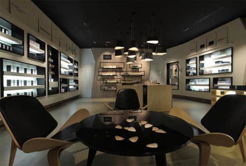 25个系列创意展厅展览柜装潢设计