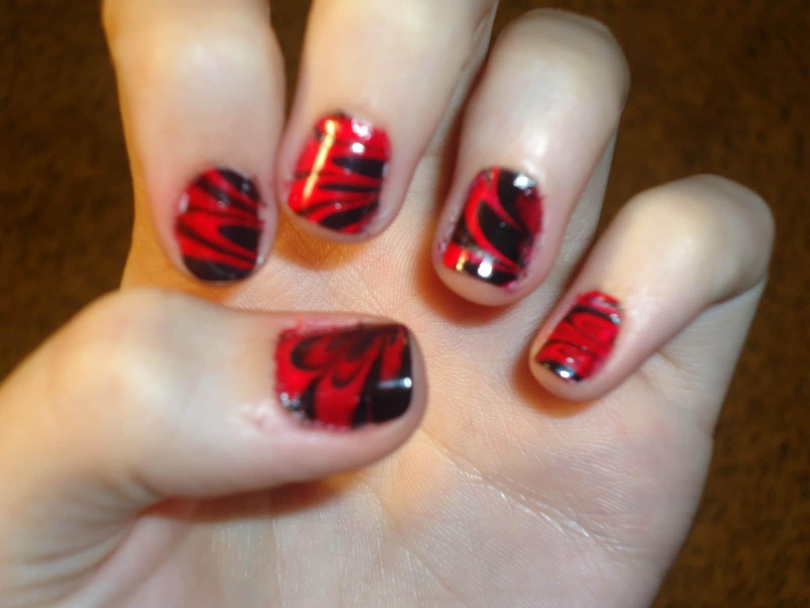 Beautiful-Marble-nail-art-Designs-3