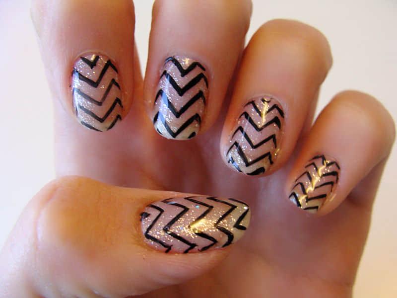 zig-zag-gel-nail-polish