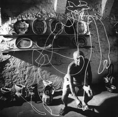 """教你拍摄""""光迹绘影""""照片,毕加索也爱玩哦!泡马子、求婚都可以"""