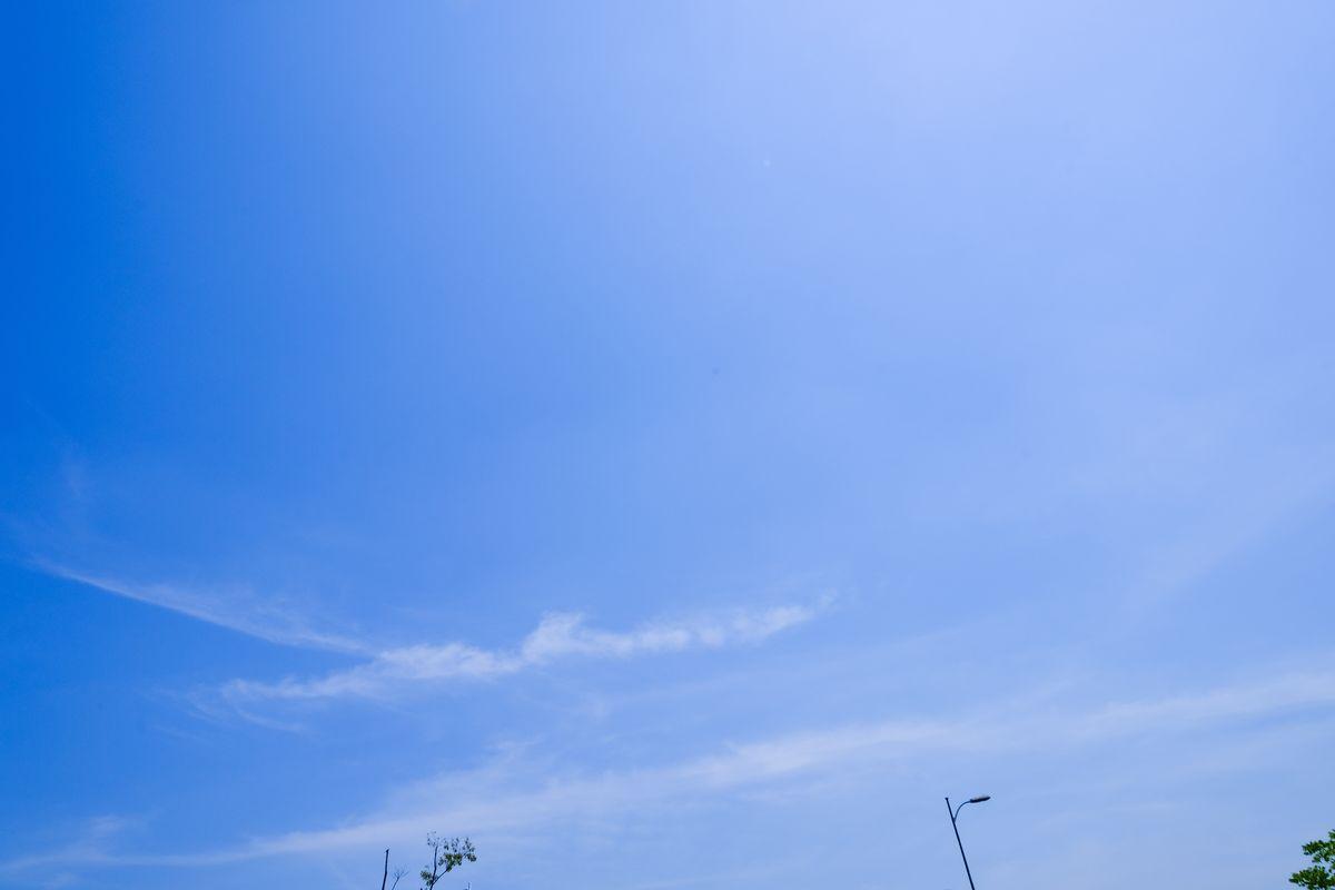 梦幻蓝天白云、超清天空背景PS图片素材免费下载(免费商用许可)