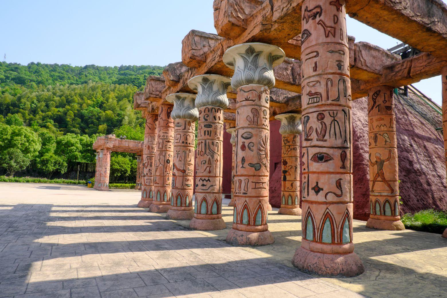 埃及元素走廊柱子照片 -  免费正版图片