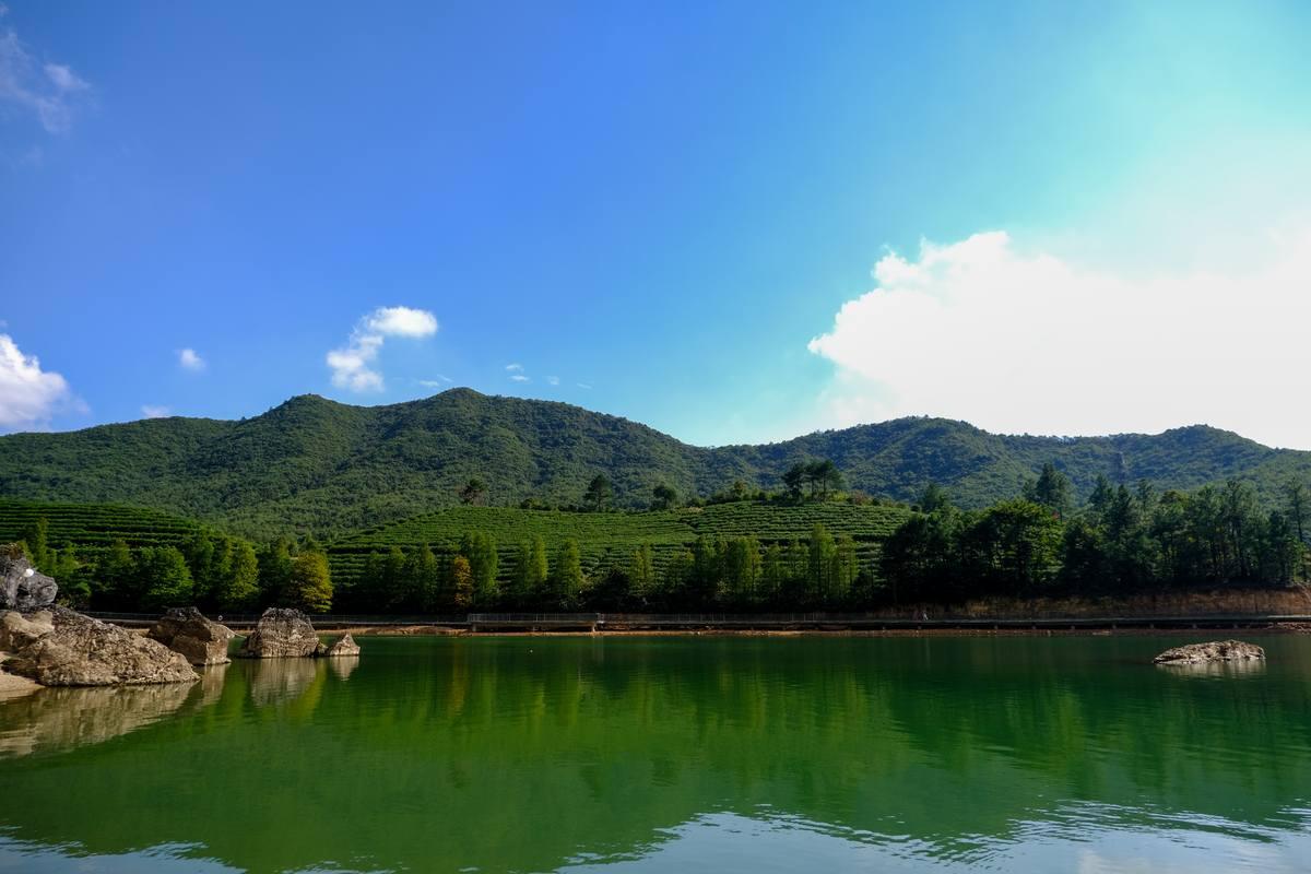 绿水青山高清照片背景