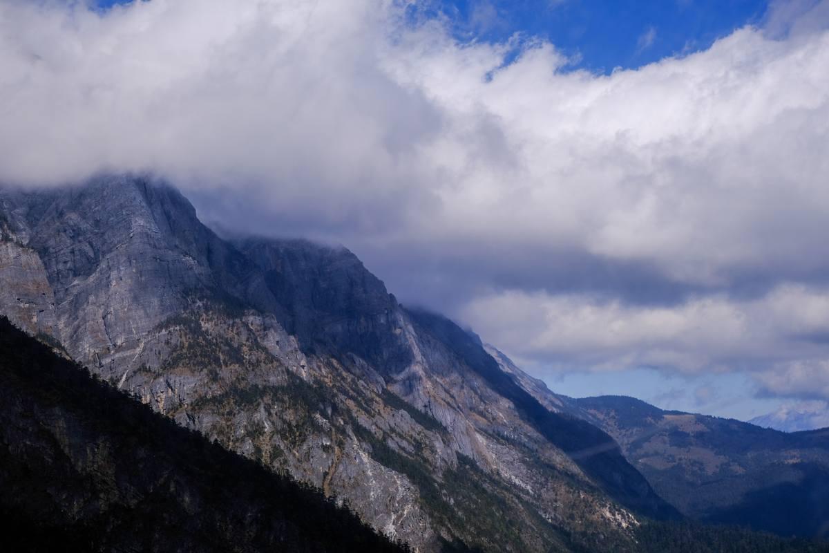 高原大山背景 - 超4K图片下载