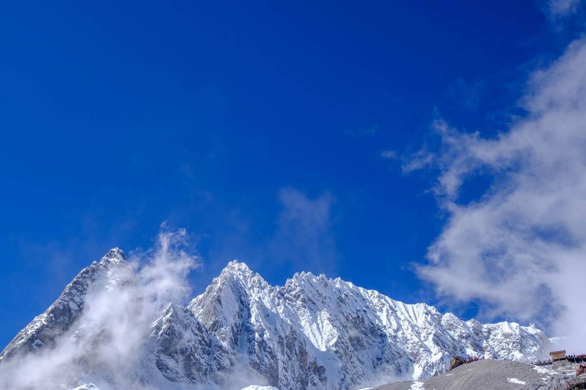 玉龙雪山背景图片 - 4K照片免费商用