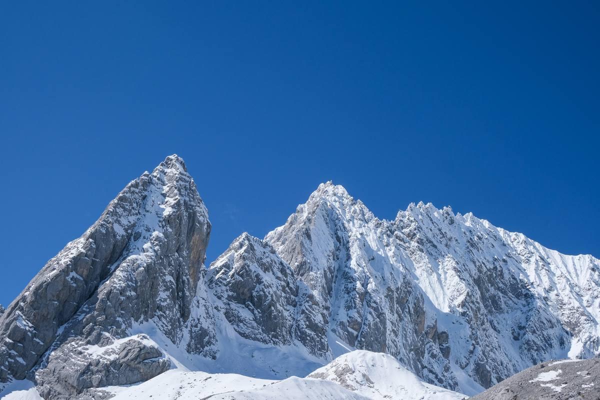云南玉龙雪山高清背景1080P图片