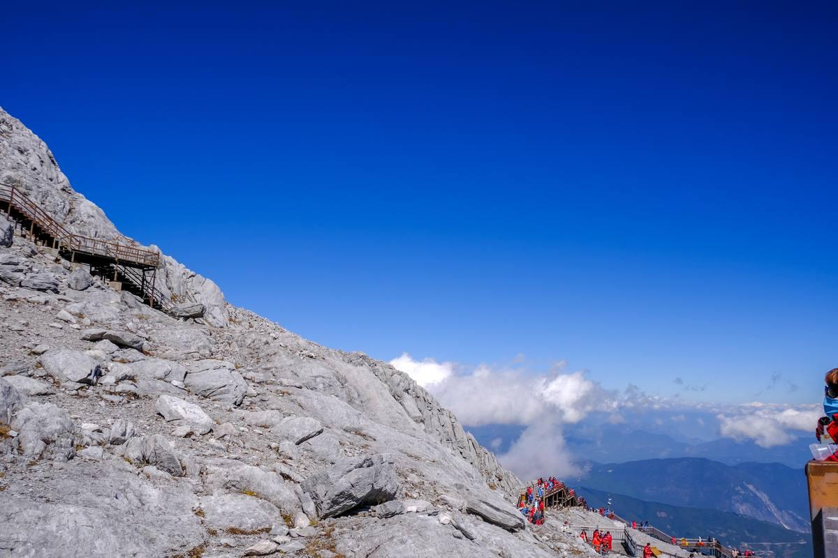 悬崖峭壁背景 - 高清1080P图片免费下载