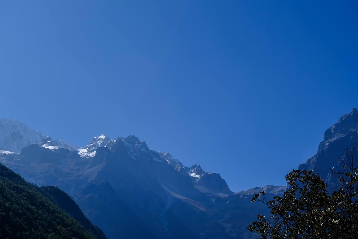 深山背景图片 - 免费4K照片下载